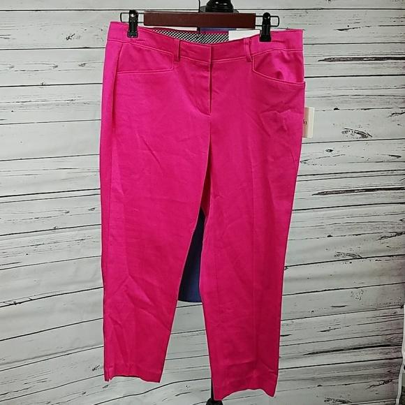 346e63c08dd NWT Pink Rafaella Capri Pants